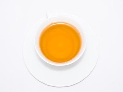 カモミールのハーブティー。妊活におすすめです。効果的な飲み方やタイミング、量について説明します。
